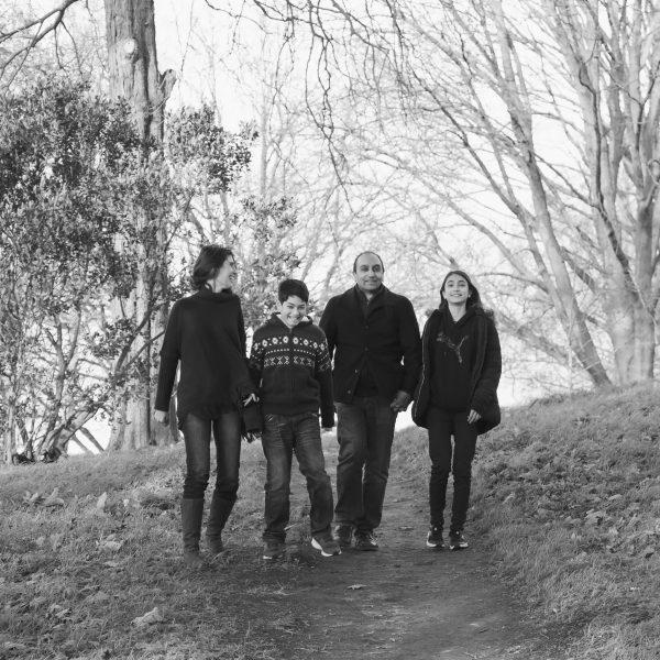 Family photo shoot in Kew Gardens